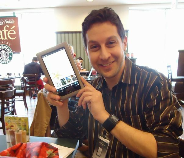 Salesman_demonstrating_Nook_tablet_in_a_Barnes_&_Noble_bookstore - Wikipedia