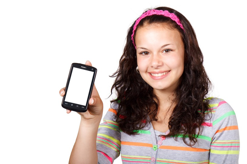 teenager-with-smartphone